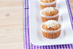 Saftige Ananas-Kokos-Muffins