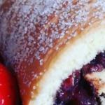 Oreo-Erdbeer-Biskuit-Rolle ohne Milch 2
