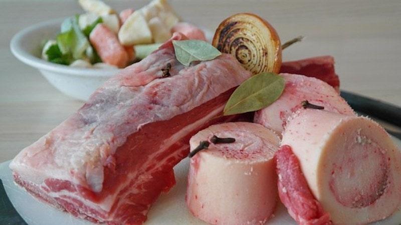 Fleischbrühe für Eintopfgerichte – so kocht Oma