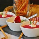 Rotweinsuppe als Vorspeise