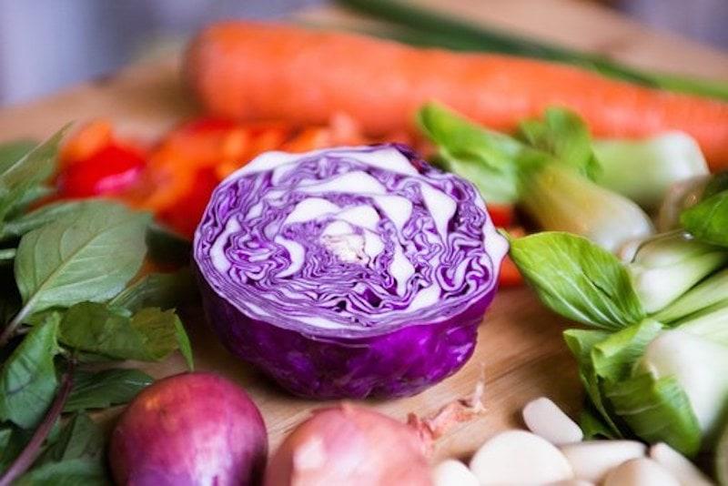 Rotkohl für Salat