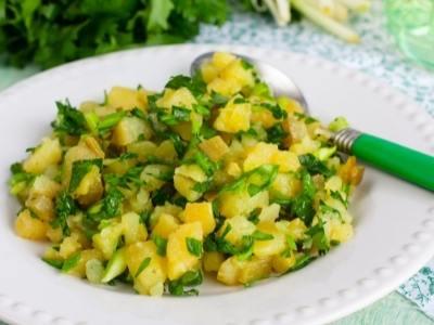 kartoffelsalat-kraeuter-closeup