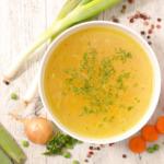 Rinderbruehe-fleischbruehe-omas-rezept-suppe