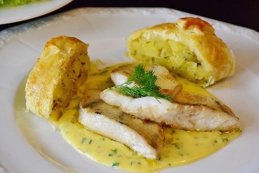 Überbackener Fisch in Kräutersoße aus dem Ofen 1