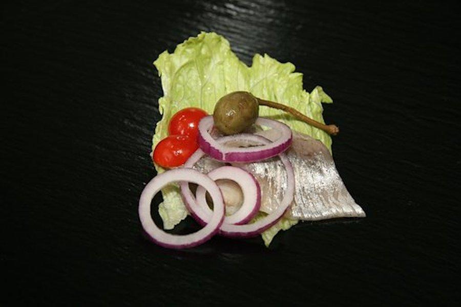 Klassischer Heringssalat aus Omas guter alter Zeit zu Silvester