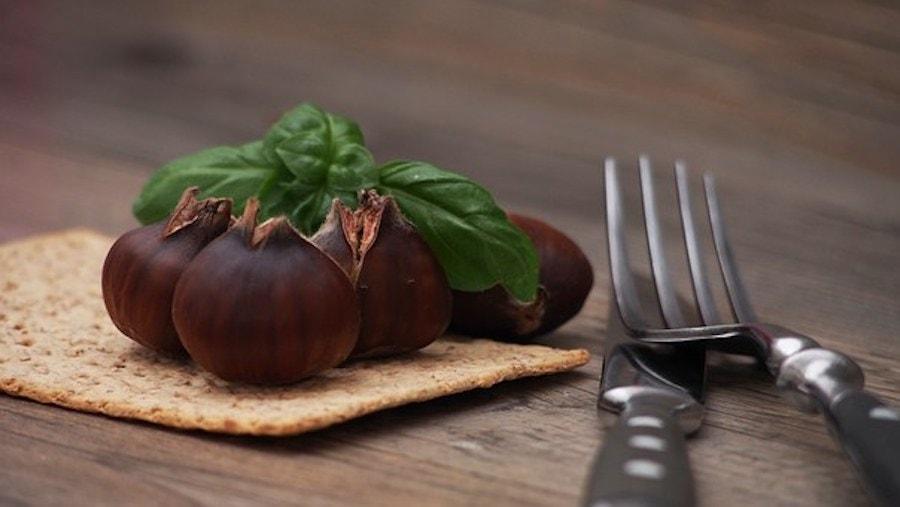 Grünkohl mit Maronen und Bratkartoffeln