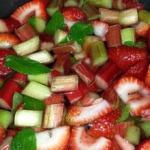 Rhabarber mit Erdbeeren