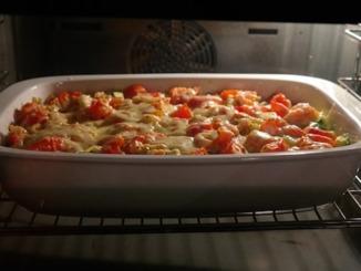 Kartoffelauflauf mit Kräuter und Tomaten
