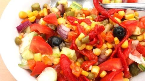 Tomatensalat Mais