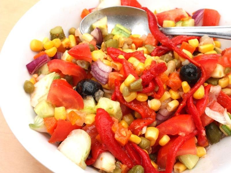 Tomatensalat mit Mais – Omas liebster Beilagensalat