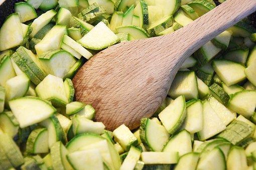 Zucchini-dünsten