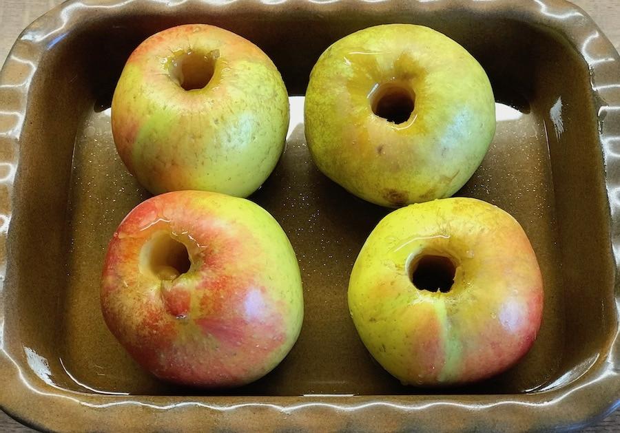 Äpfel ausgestochen