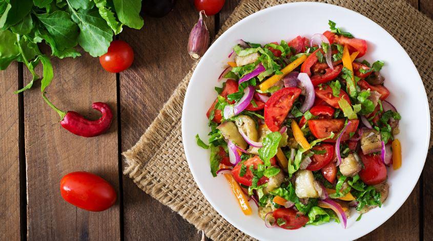 Paprika-salat-bunt-gurke