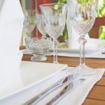gedeckter Tisch für Menü
