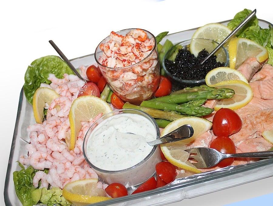 Krebsschwänze Salat mit Marinade