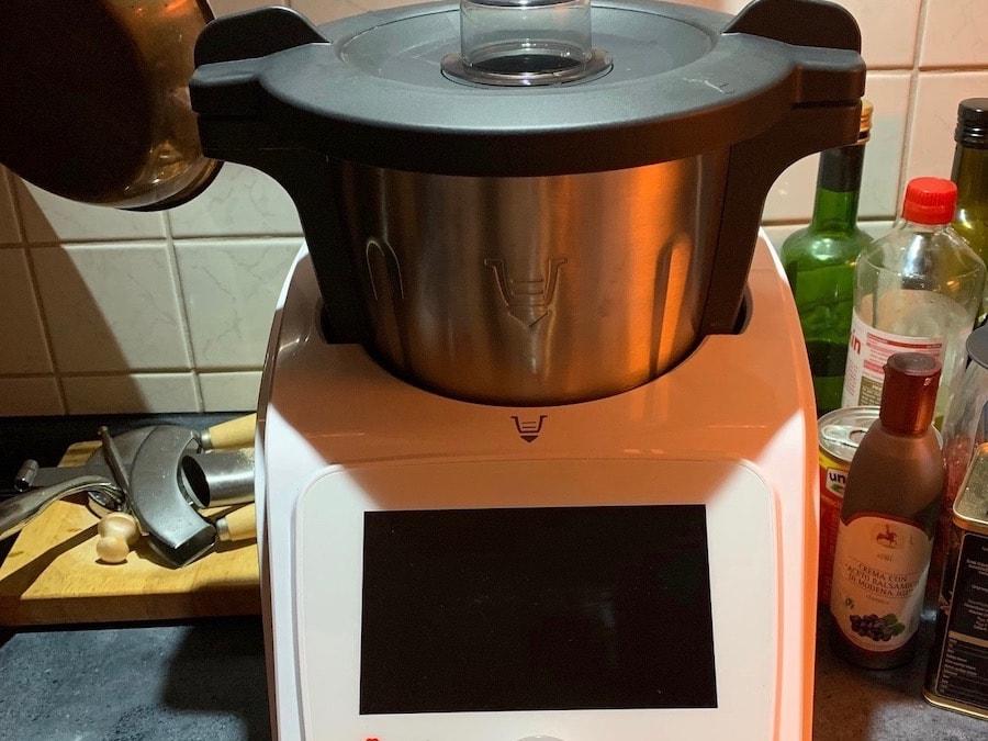 Küchenmaschine mit Kochfunktion