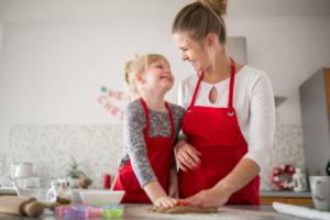 Mit den Enkeln kochen – so lernen sie gesunde Ernährung kennen
