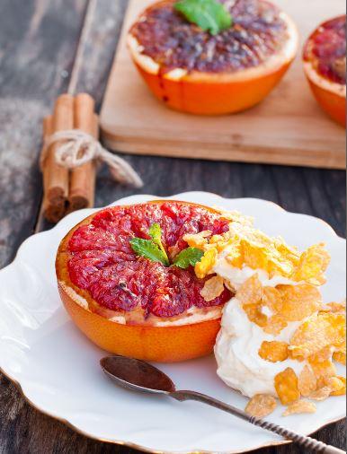 Ueberbackene-grapefruit-pampelmuse-fruehstück-obst-rezept-cornflakes