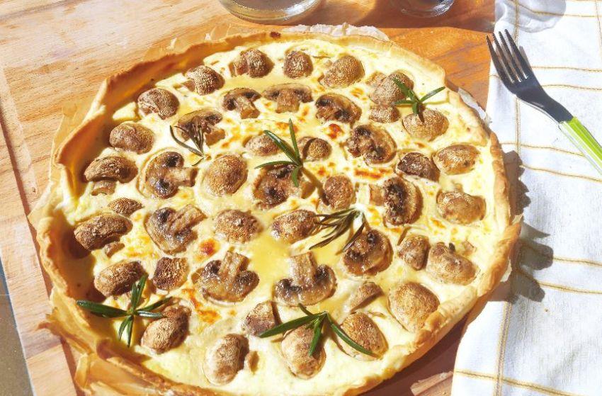 Schnelle, vegetarische Champignon-Quiche