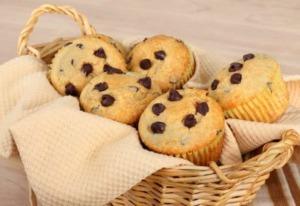 Saftige Muffins mit Schokostückchen