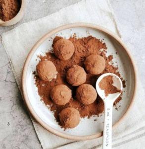 schokotrüffel-in-kakaopulver