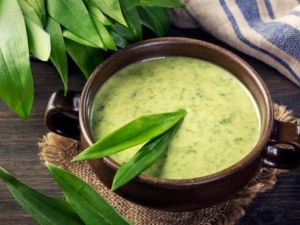 Feine Bärlauch-Cremesuppe
