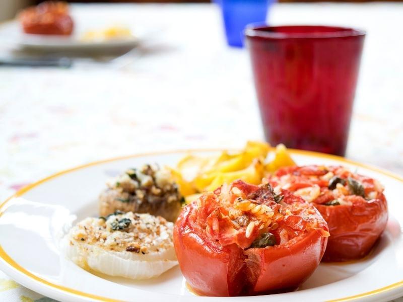 Gefüllte Zwiebeln und Tomaten vom Grill 1