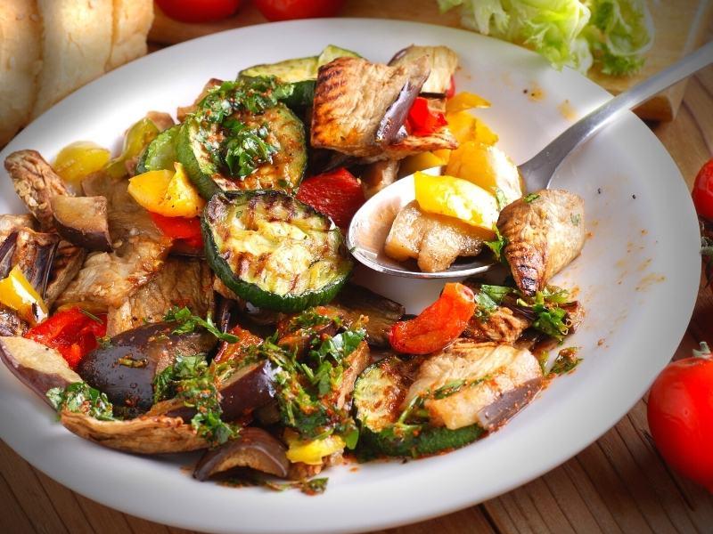 Grill-Gemüsesalat aus dem Backofen 1