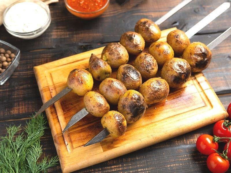 Scharfe Kartoffelspieße vom Grill 1