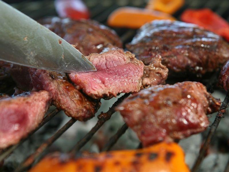 Straussensteak-grill